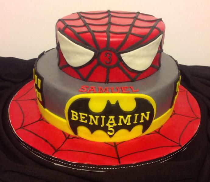 Image A Fun Spiderman Birthday Cake
